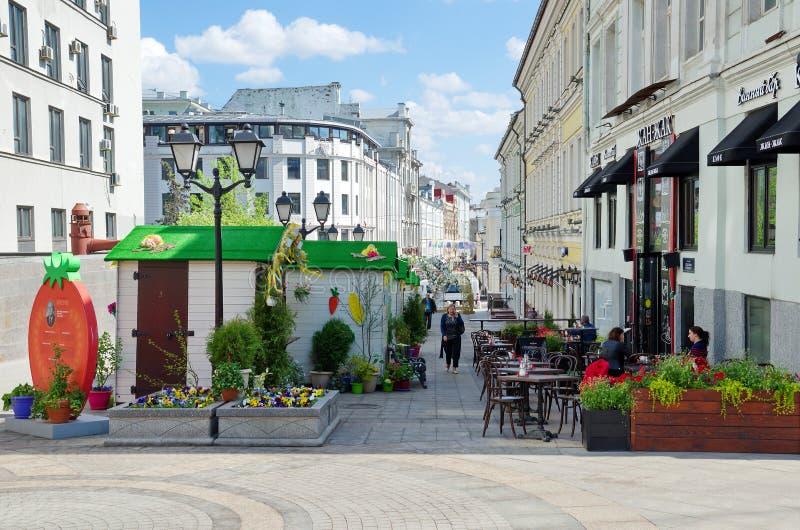 Vicolo di Stoleshnikov, Mosca, Russia immagine stock