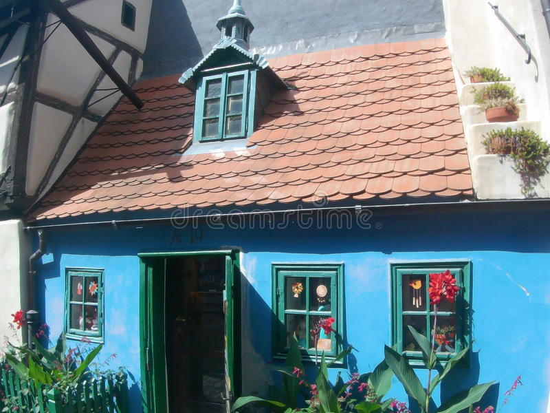 Vicolo dorato, nel castello di Praga fotografie stock libere da diritti