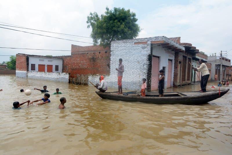 Victimes d'inondation photo stock