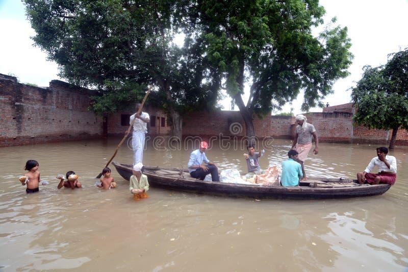 Victimes d'inondation image libre de droits
