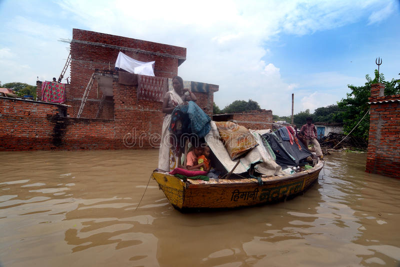 Victimes d'inondation images libres de droits