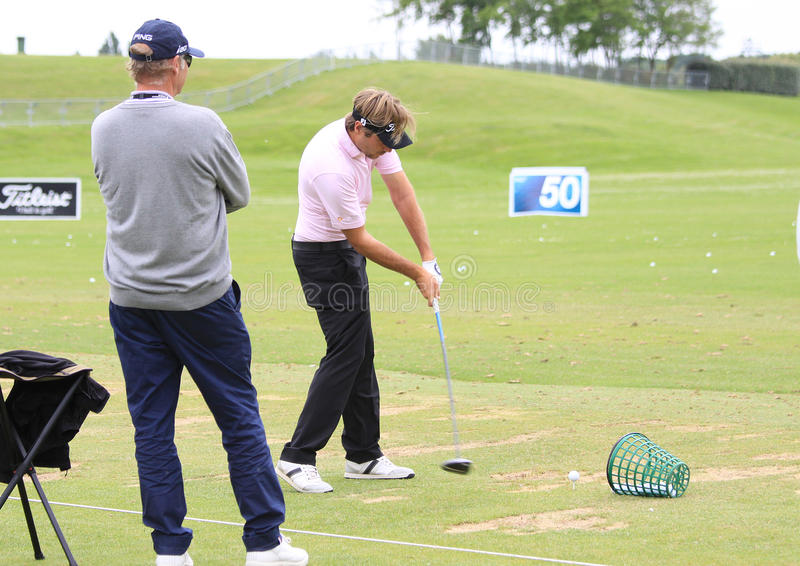 Download Victor Dubuisson At The French Golf Open 2013 Editorial Stock Photo - Image of golf, hitting: 35625043