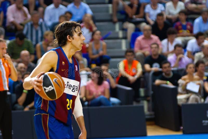 Victor Sada gioca la squadra di pallacanestro di TAU Vitoria dei againts fotografie stock libere da diritti
