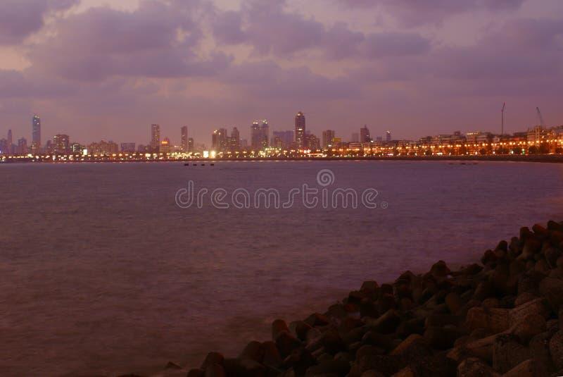 Victoria's项链的全景沿海洋驱动的在孟买 库存图片