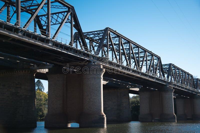 Victoria Bridge, over Nepean-Rivier en officieel gekend als Nepean-Brug, is een erfenis-vermelde vroegere spoorwegbrug royalty-vrije stock foto