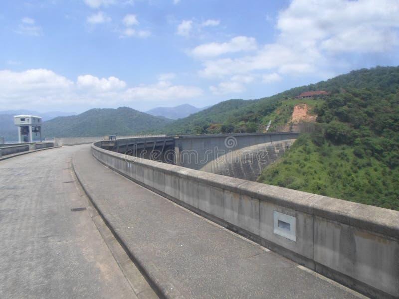 Victoria-dam Sri Lanka stock afbeeldingen