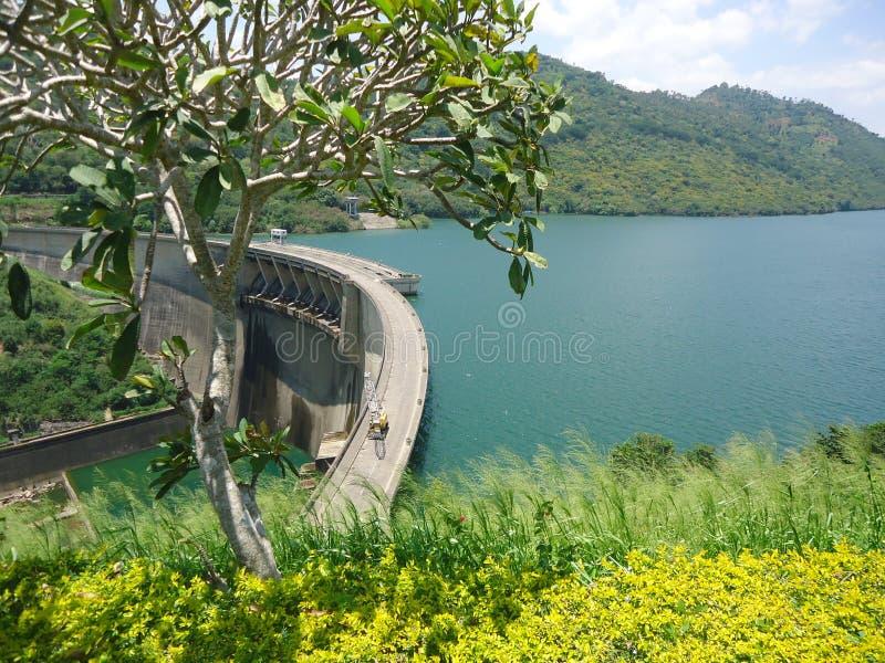 Victoria-dam Sri Lanka stock foto's