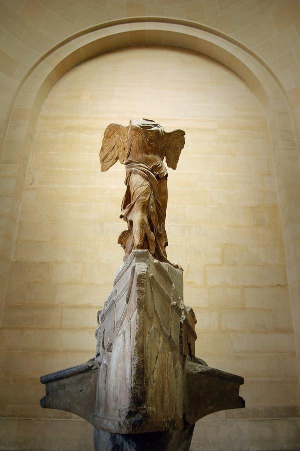 Victoria de Nike de Samothrace, lumbrera, París imagen de archivo