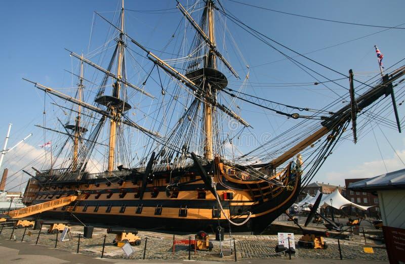 Victoria del HMS en el puerto de Portsmouth, Inglaterra imagenes de archivo