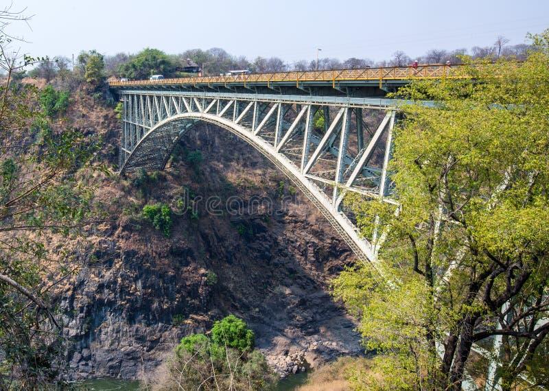 Victoria Falls Bridge tussen Zambia & Zimbabwe stock afbeeldingen