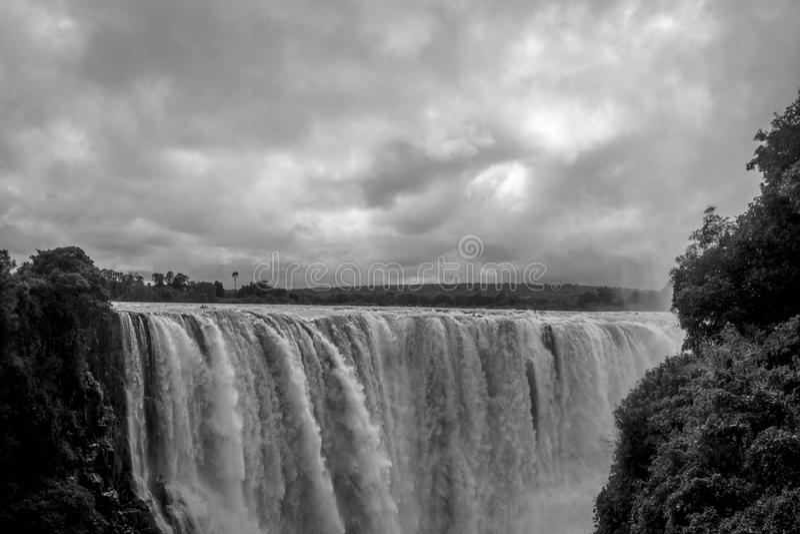 Victoria Falls do lado de Zimbabwe imagens de stock