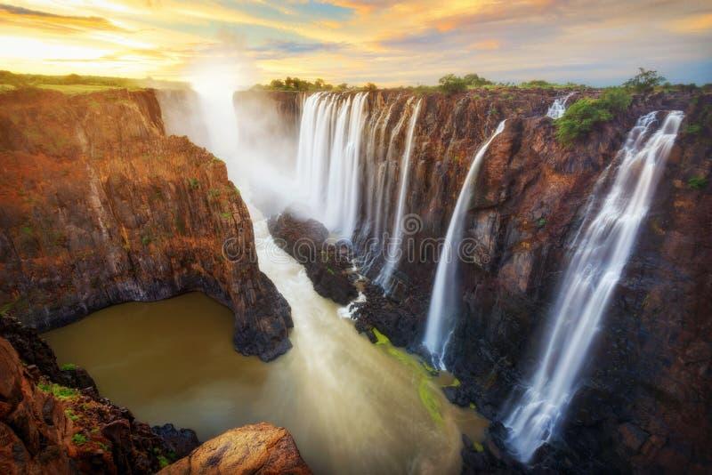 Victoria Falls i Zambia och Zimbabwe royaltyfri fotografi