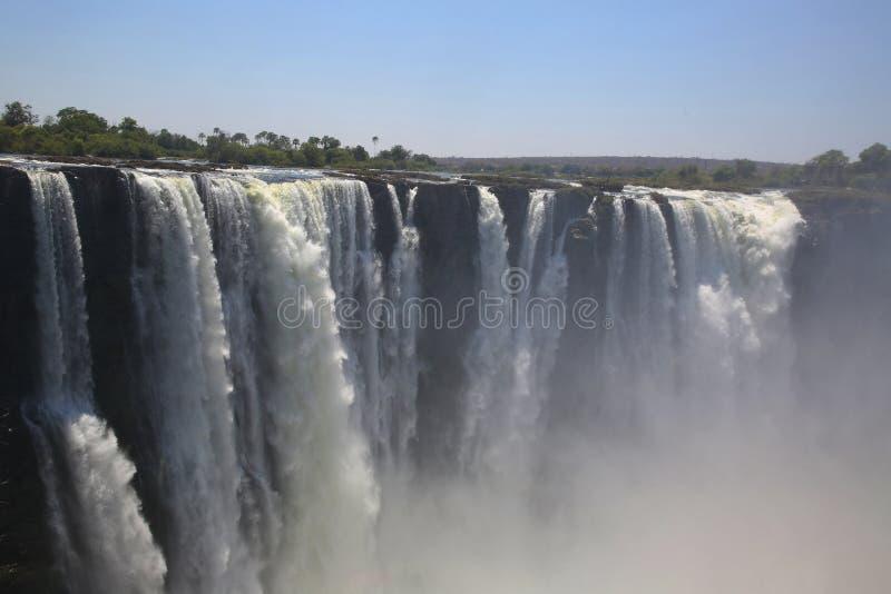 Victoria Falls, visión de tierra desde el lado de Zimbabwe fotos de archivo libres de regalías
