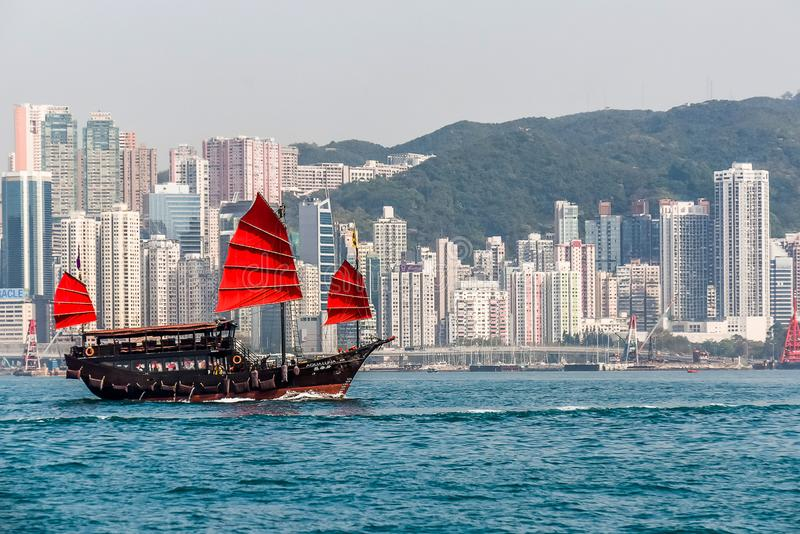 Victoria Harbor View und chinesischer Kram stockfotos