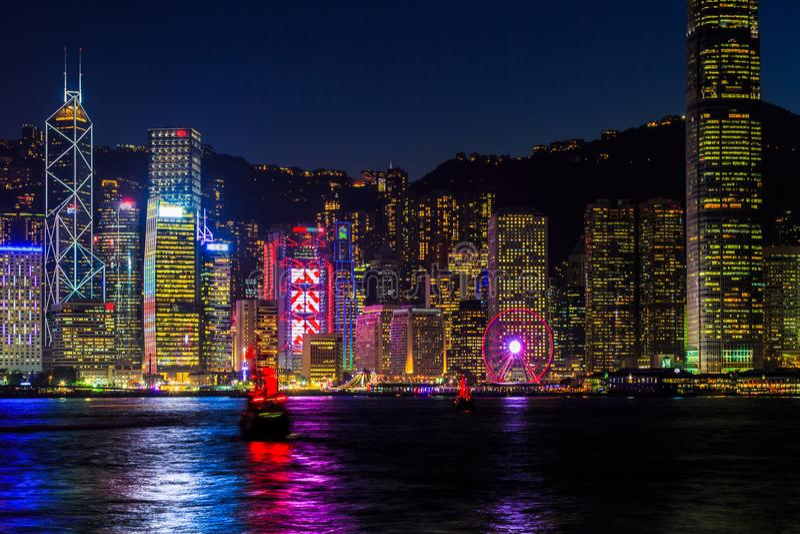 Victoria Harbour på nattHong Kong Skyscraper cityscape, Tsim S arkivbilder