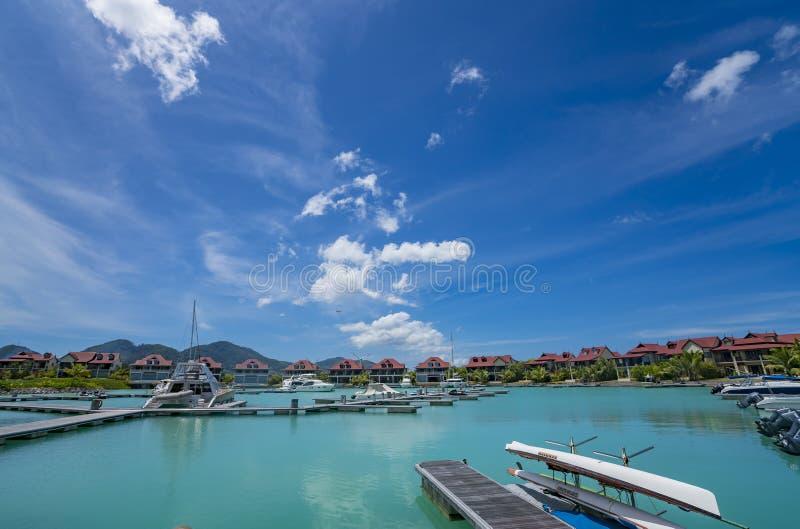 Victoria, Mahe, Seychellen -5 im Oktober 2018: Eine sch?ne Ansicht des Jachthafens bei Eden Island Mahe Seychelles lizenzfreies stockbild