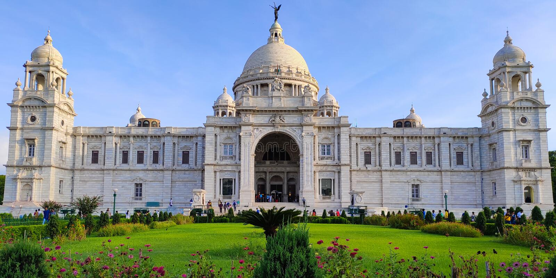 Victoria Memorial é o monumento o mais icônico em Kolkata, Índia Era construir pelo rei George V como uma memória para a rainha V fotografia de stock royalty free