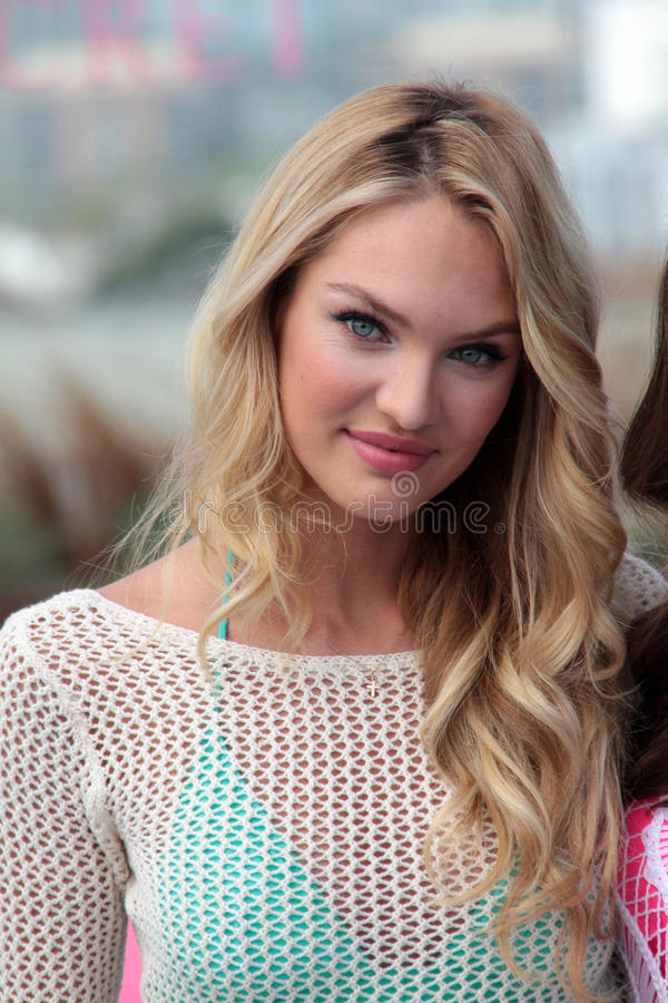 Download Victoria's Secret,Candice Swanepoel Editorial Photography - Image: 25257832