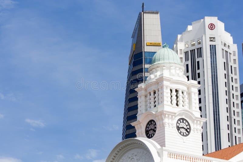 Victoria Theatre & konsert Hall Tower Clock på Singapore arkivbild