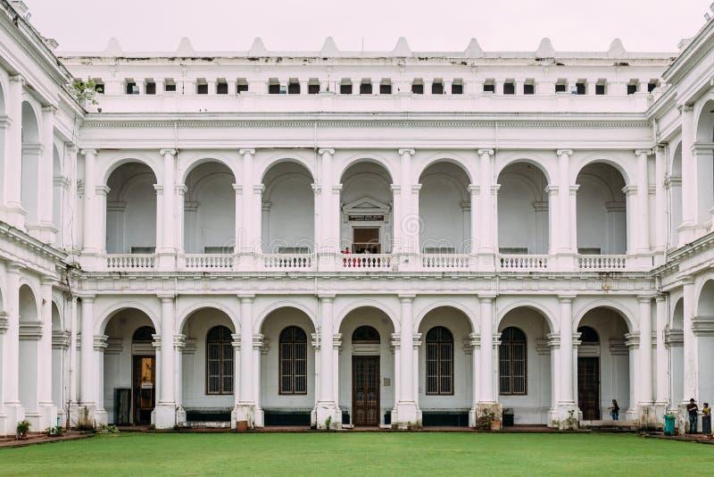 Victoriaanse architecturale stijl met centrumbinnenplaats binnen Indisch Museum, het grootst en oudst in India in Kolkata, India royalty-vrije stock afbeeldingen