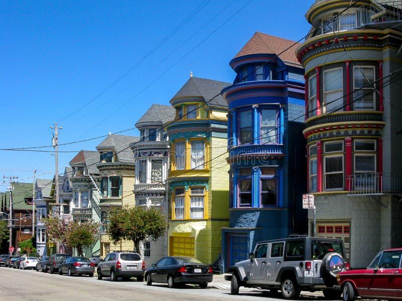 Victoriaanse huizen in Haight, SF stock afbeeldingen