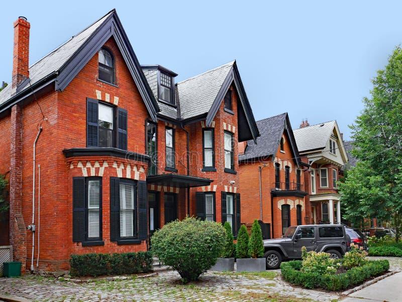 Victoriaanse semi-detached huizen stock fotografie