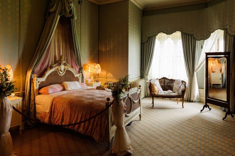 Victoriaanse slaapkamer royalty-vrije stock afbeeldingen