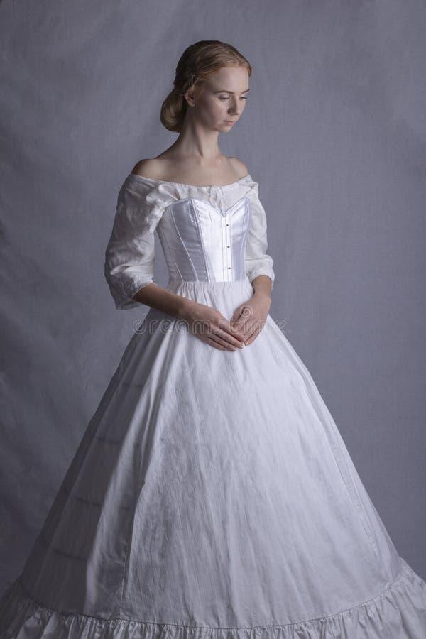 Victoriaanse vrouw in ondergoed royalty-vrije stock foto