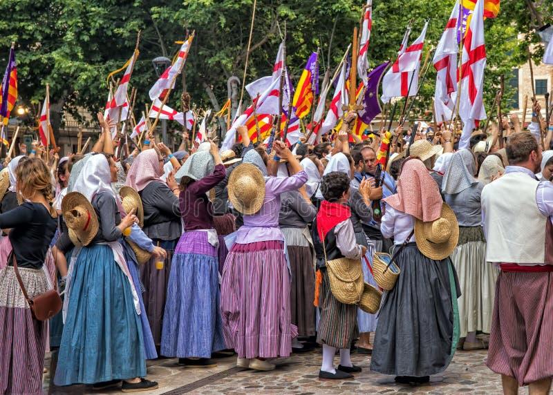 Victory Celebration en amarra y el festival de los cristianos - fiesta de Moros y Cristianos, Soller, Mallorca imagen de archivo