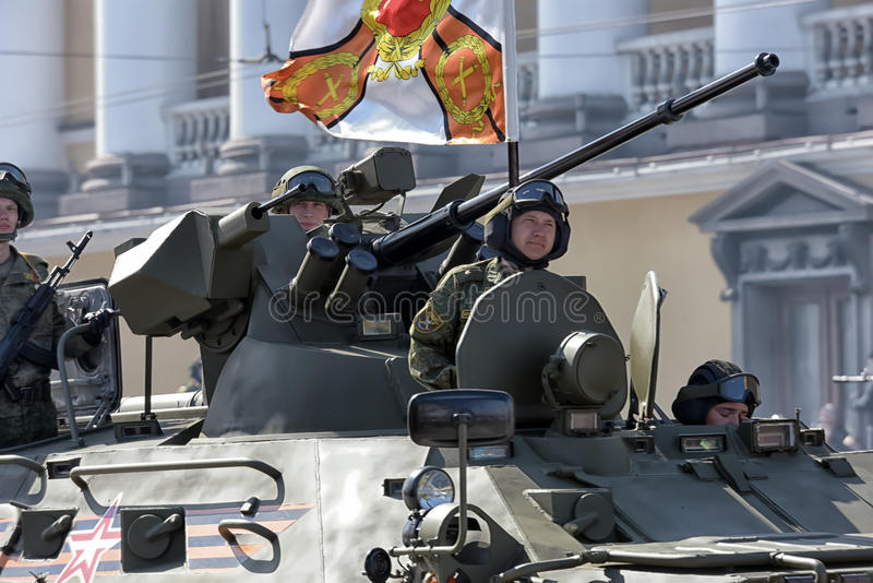 Download Victory Day Military-parade Redactionele Fotografie - Afbeelding bestaande uit munitie, musici: 54077472