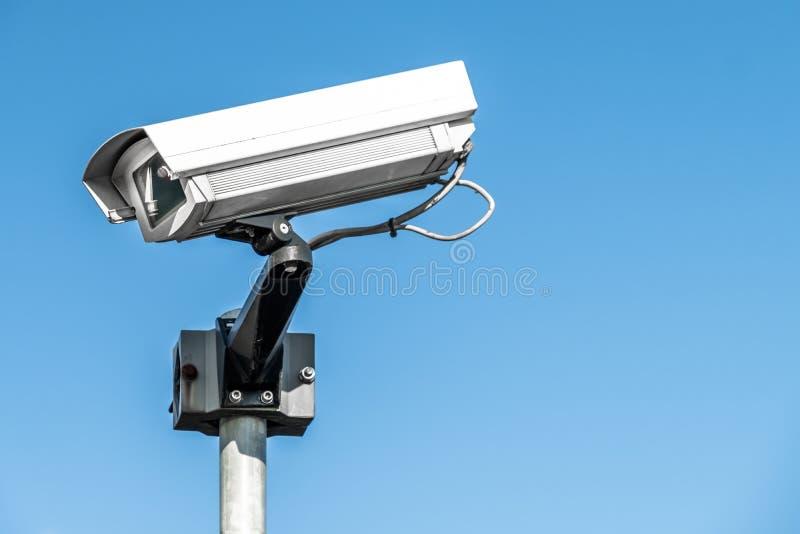 Vidéo surveillance de télévision en circuit fermé sur un poteau image libre de droits