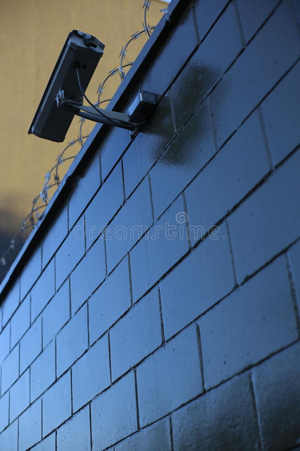 Vidéo surveillance sur le mur photographie stock