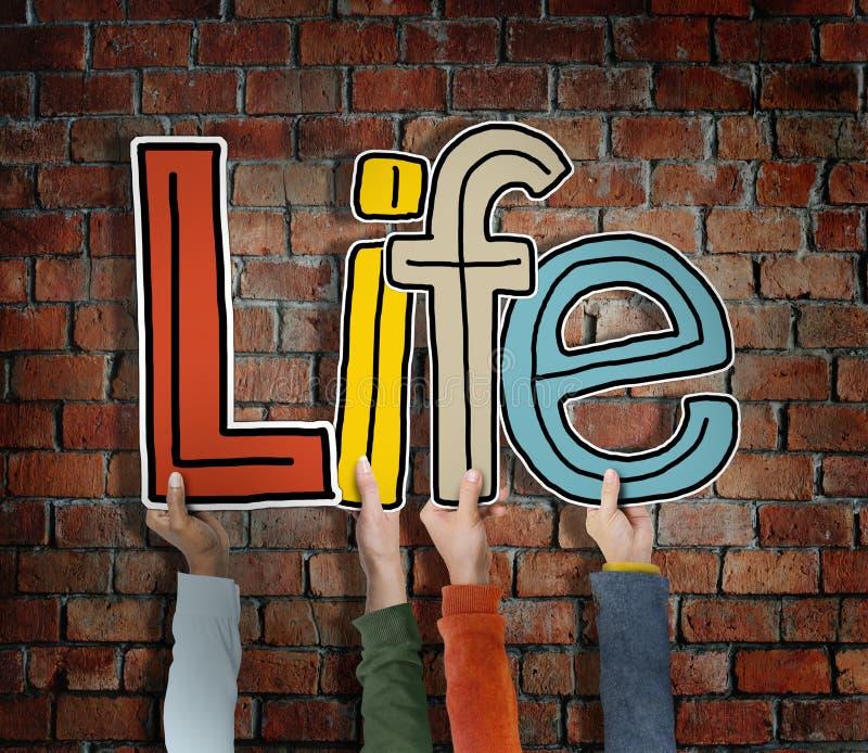 Vid liv finns vara för liv andedräkt födelsebegreppet arkivbild
