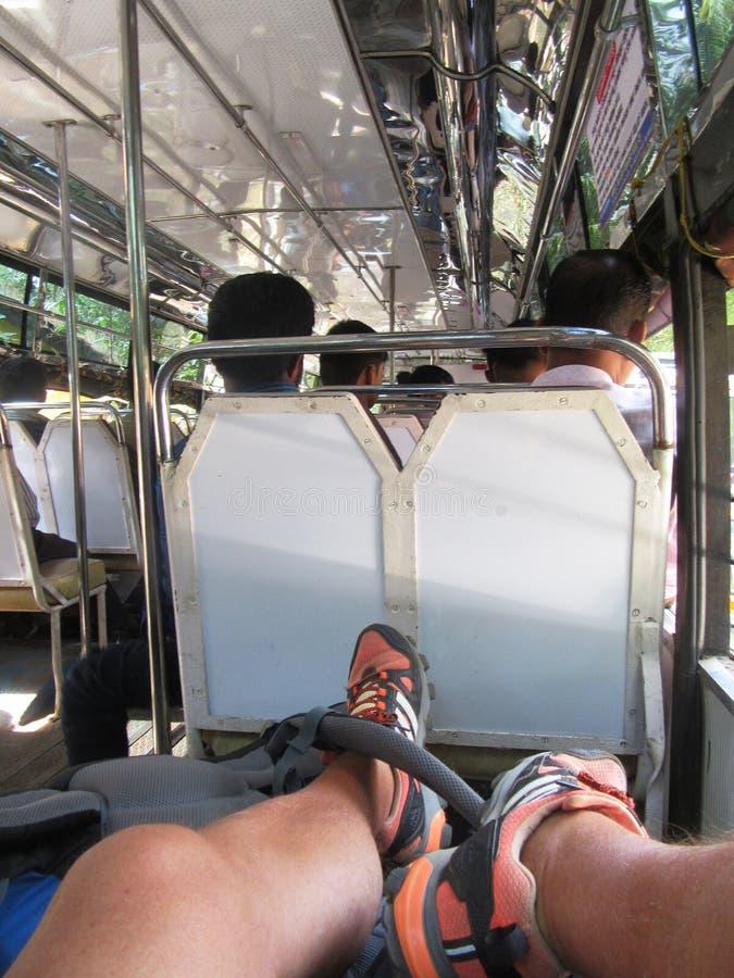 Vid nivån, drevet, bussen och Tuk Tuk till och med södra Indien/, arkivbilder