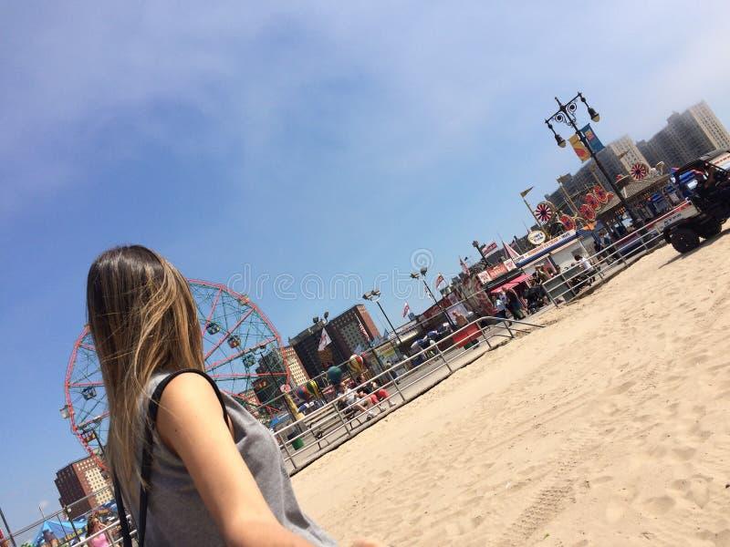 A vida é melhor no Coney Island fotos de stock