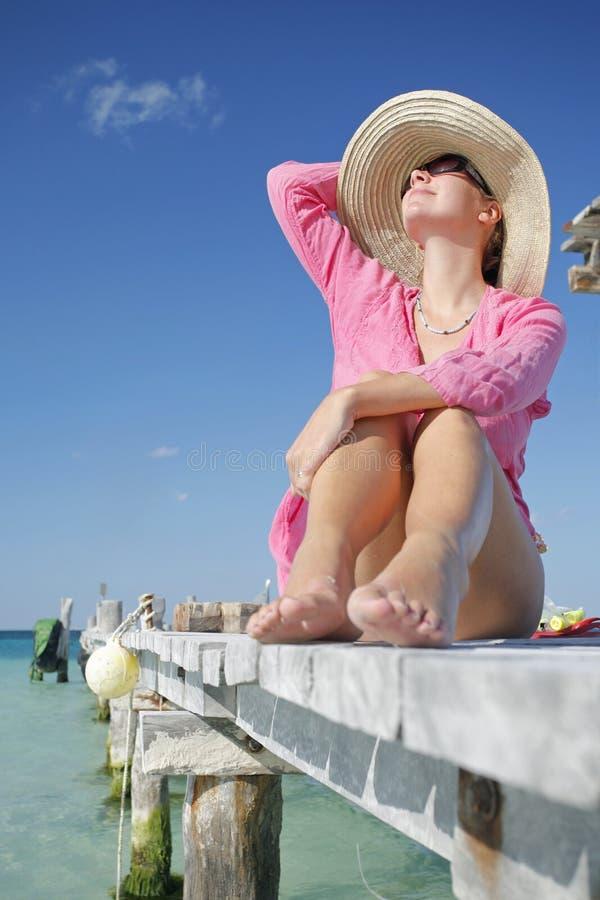 A vida é uma praia (o molhe) fotografia de stock royalty free