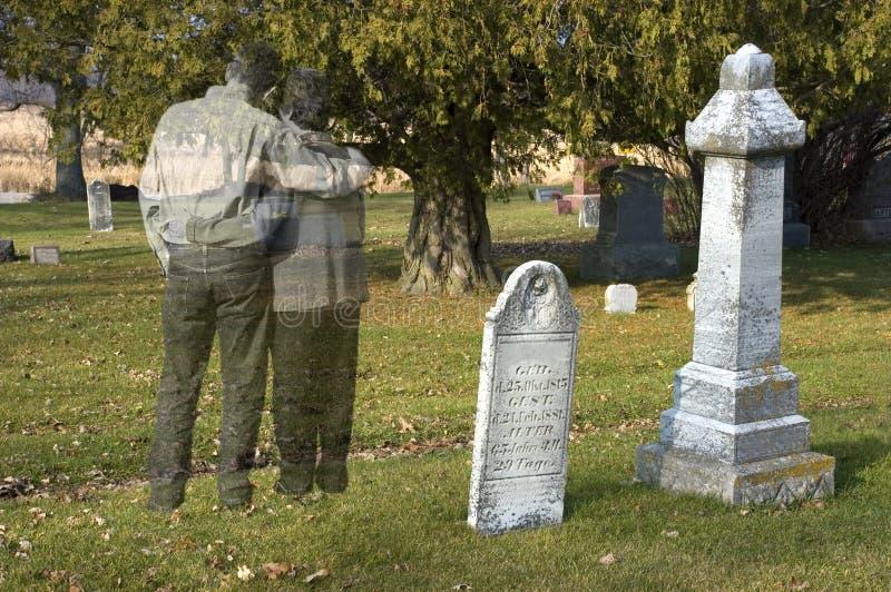 Vida, amor após a morte, sofrimento, perda ou Halloween imagens de stock