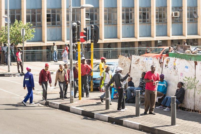 Vida cotidiana en Johannesburgo en Suráfrica fotografía de archivo
