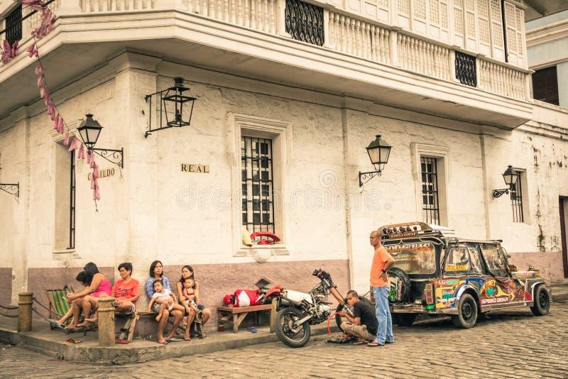 Vida en las calles diaria en Manila intramuros - Filipinas imágenes de archivo libres de regalías