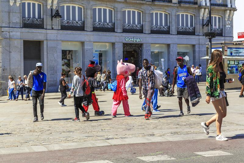 Vida exuberante en Puerta del Sol, Madrid fotos de archivo libres de regalías