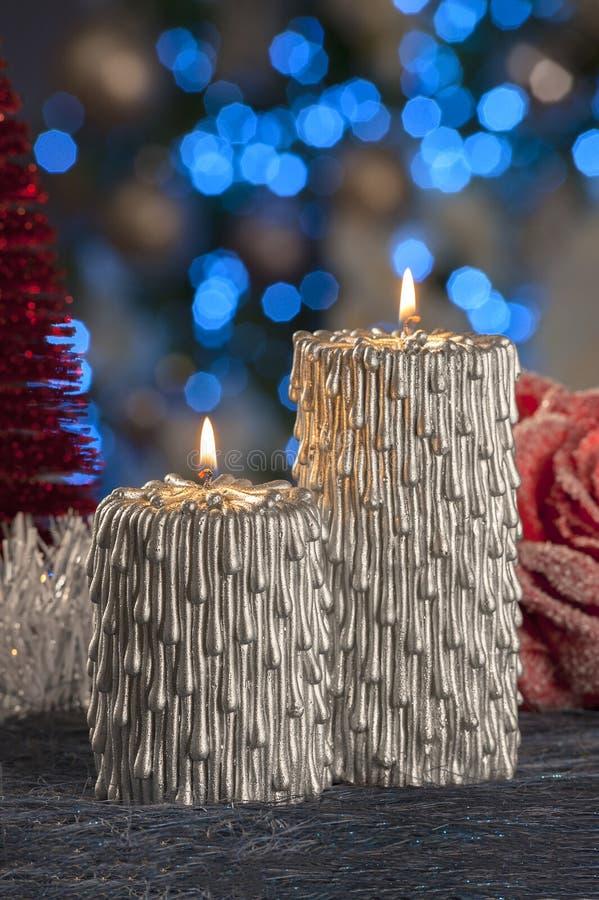 Vida inmóvil de la Navidad de las velas de iluminación caseras imagenes de archivo