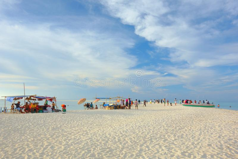 Download Vida na praia imagem editorial. Imagem de fulgor, ásia - 107526125