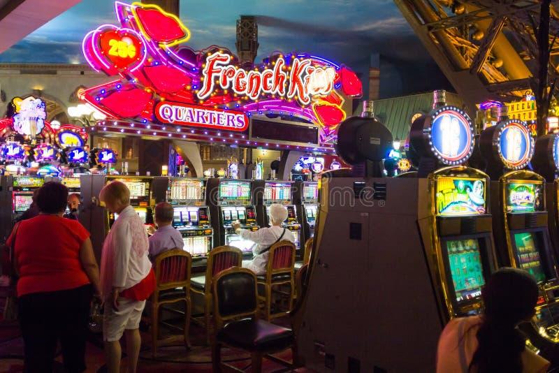 Vida nocturna del casino de París Las Vegas fotos de archivo libres de regalías