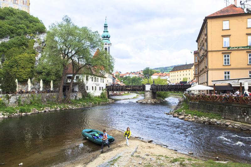 A vida, pessoa, architechture de Cesky Krumlov, Checo Áustria imagem de stock