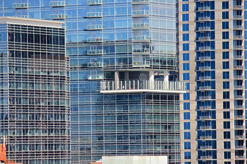 Vida urbana del diseño - apartamentos residenciales foto de archivo