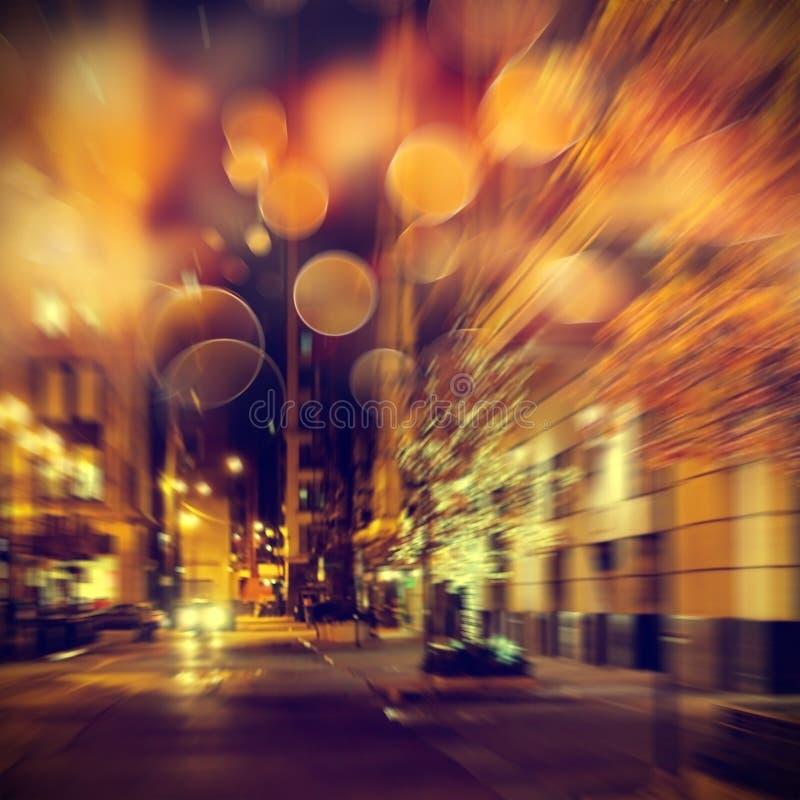 Vida urbana en la noche fotografía de archivo libre de regalías