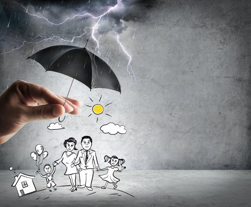 Vida y seguro de la familia - concepto de la seguridad foto de archivo