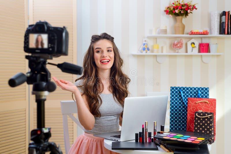 Video della registrazione per il blog di bellezza fotografie stock libere da diritti