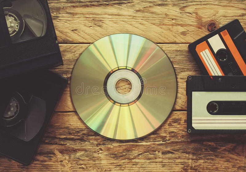 Video tapes, cassetes áudio e compact disc imagem de stock royalty free