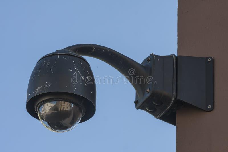 Videocamera di sicurezza sopraelevata del CCTV di sorveglianza immagini stock